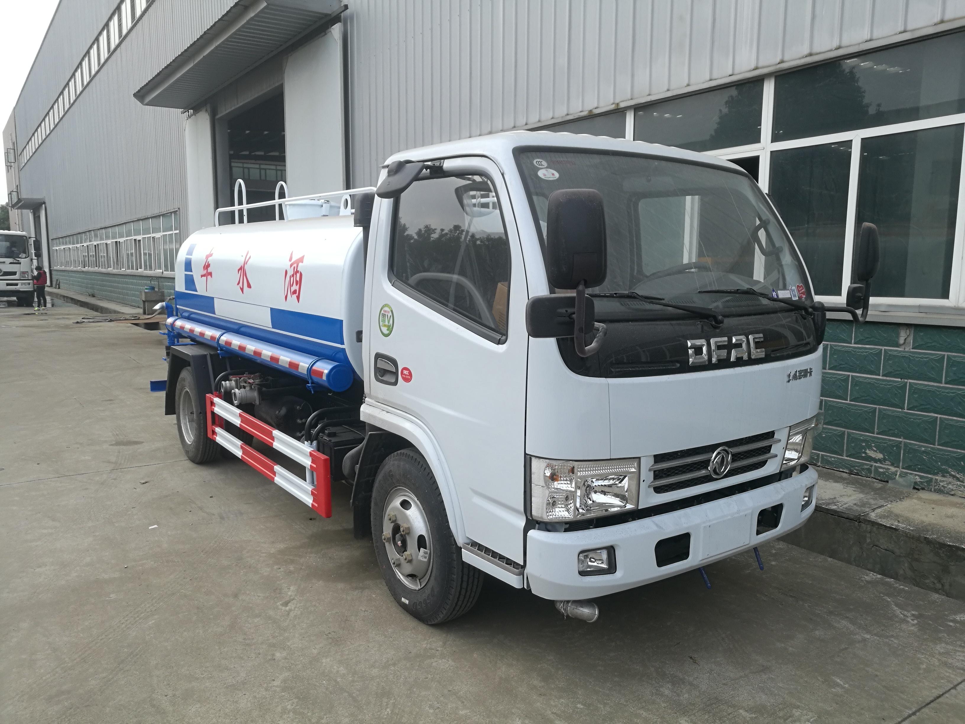 东风D6多利卡5吨洒水车价格图片