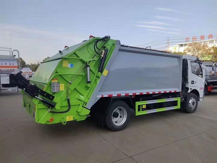 东风多利卡K7国六8立方米后装压缩式垃圾车