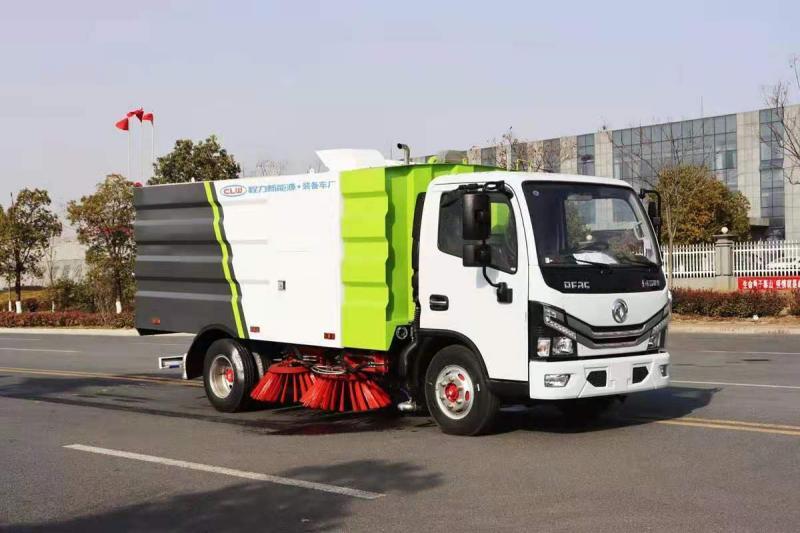 东风小多利卡扫路车(1.5方水箱,4方尘箱)图片
