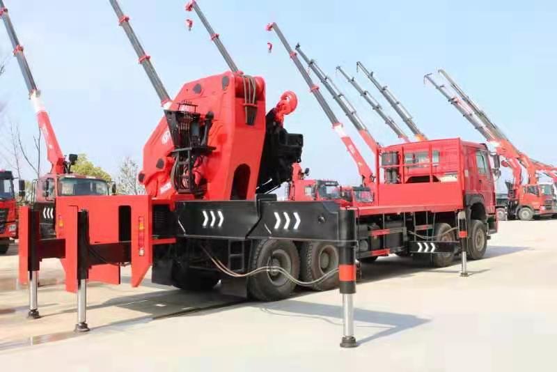 国六重汽豪沃110吨重型折臂随车吊图片六