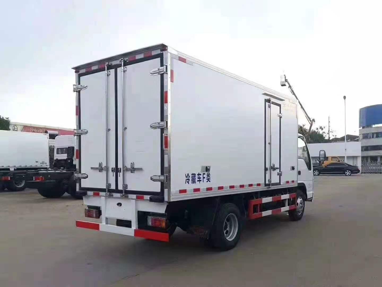 国六五十铃100P新款4.2米冷藏车图片五