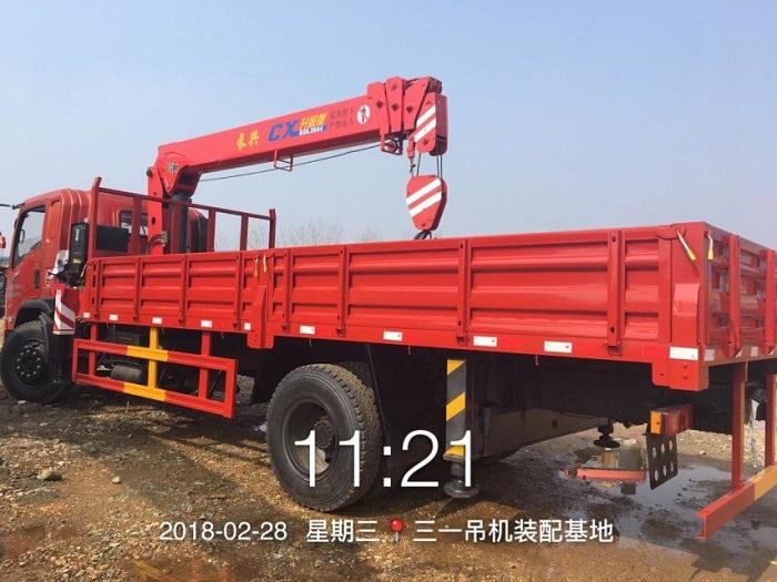 东风御虎长兴6.3吨随车吊