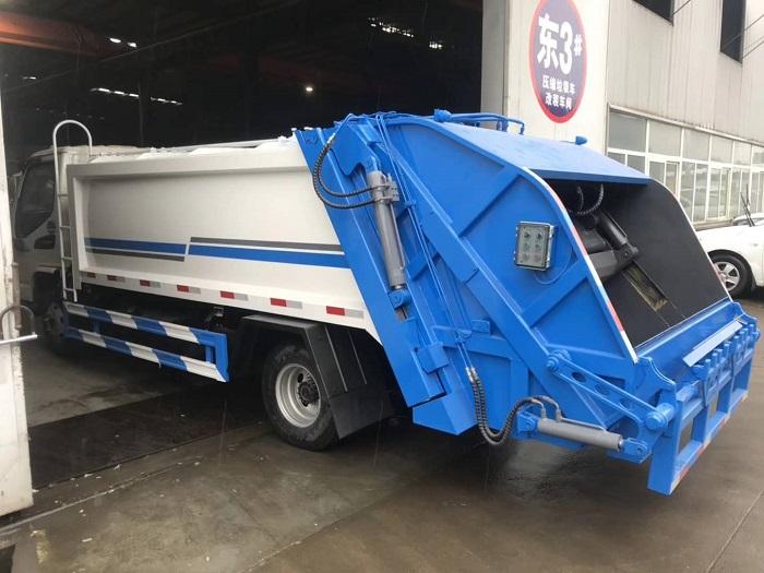 江淮骏铃8立方5吨后装压缩式垃圾车