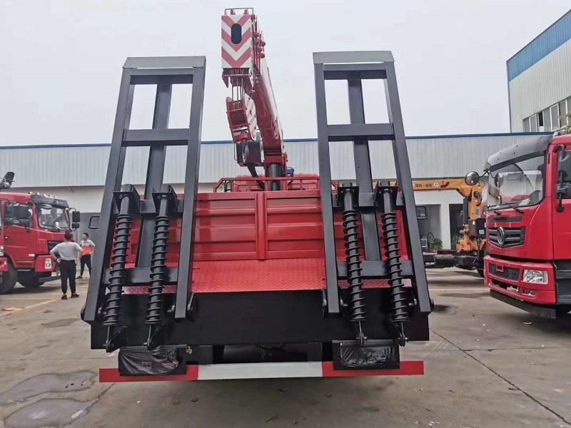 东风专底6.3-7-8吨随车吊配置