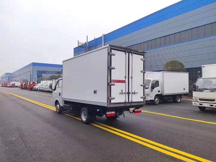 国六东风途逸3.5米冷藏车图片四