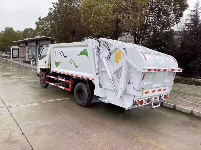 国六江铃顺达5-6方压缩式垃圾车