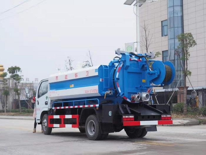国六东风多利卡6.2方清洗吸污车