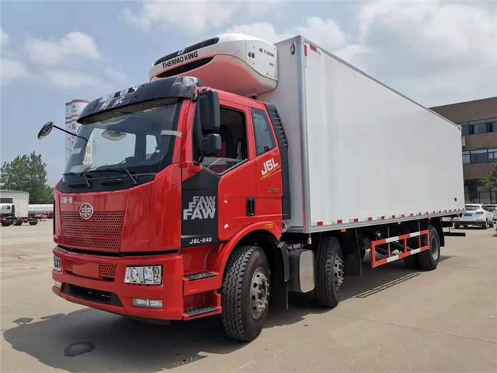 一汽解放J6L小三轴冷藏车(厢长8.6米)容积:52m³图片二