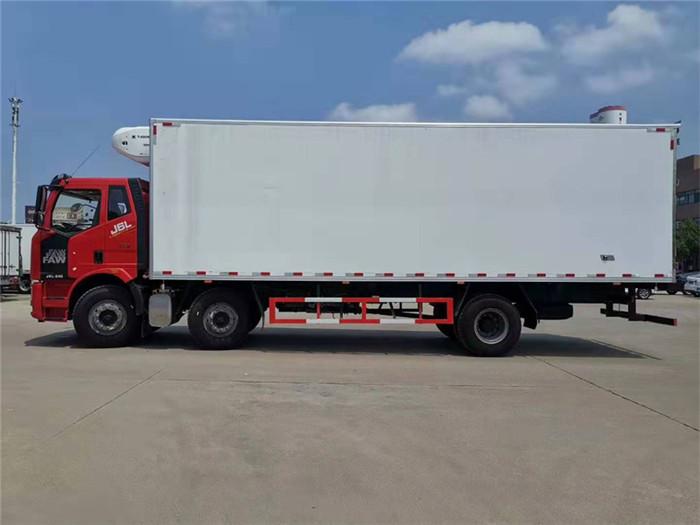 一汽解放J6L小三轴冷藏车(厢长8.6米)容积:52m³图片三