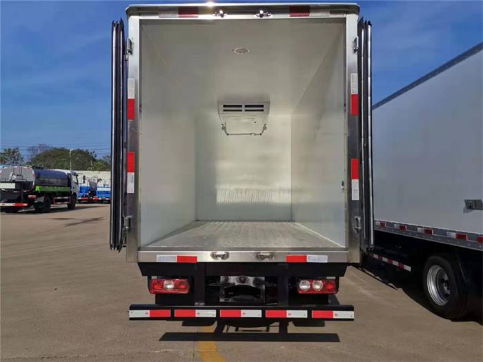 跃进小福星S70冷藏车(厢长3.26米,国六)图片八