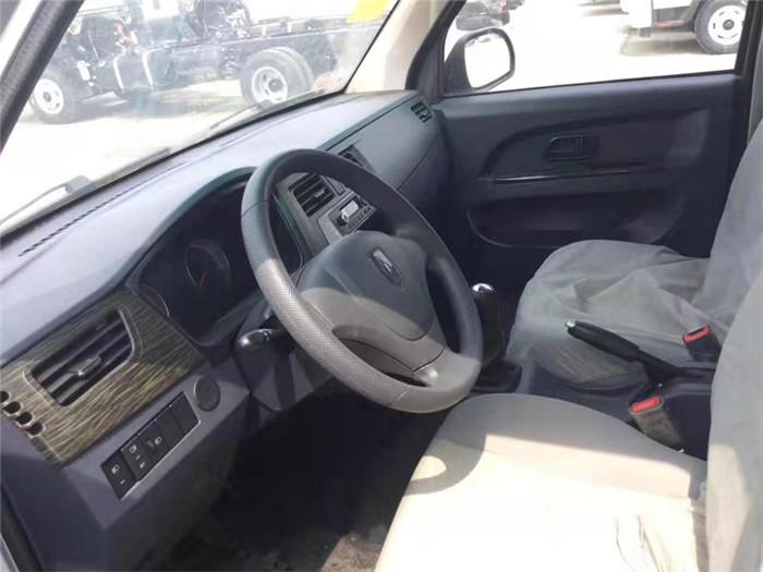 金杯小金牛T30冷藏车(厢长2.8米)图片五