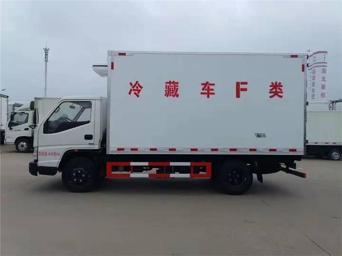 江铃顺达(宽体)冷藏车(厢长4.05米)图片三