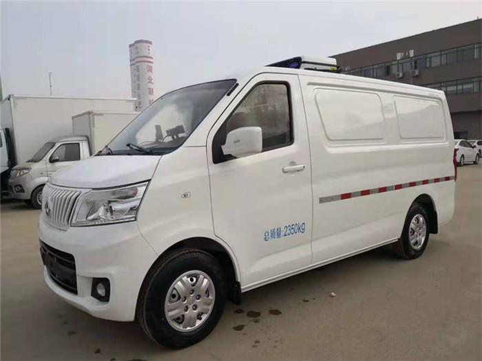长安睿行M80面包冷藏车(容积3.5立方)图片