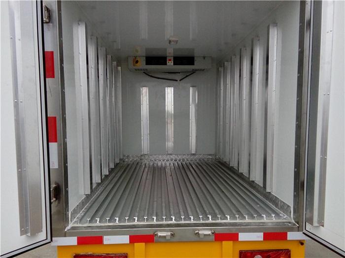 冷藏车5面铝合金通风槽图片一